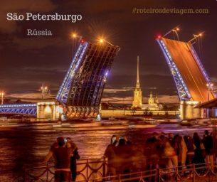 Ponte levadiça na fortaleza de Pedro e Paulo em São Petersburgo
